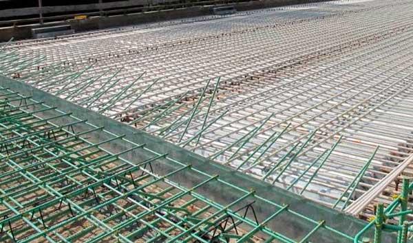 Армирование плитного фундамента: зачем проводится, выбор арматуры, схема армирования, этапы работ