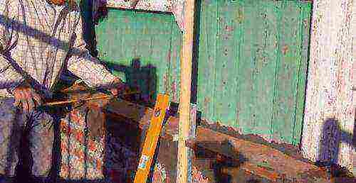 Как оштукатурить цоколь и фундамент дома?