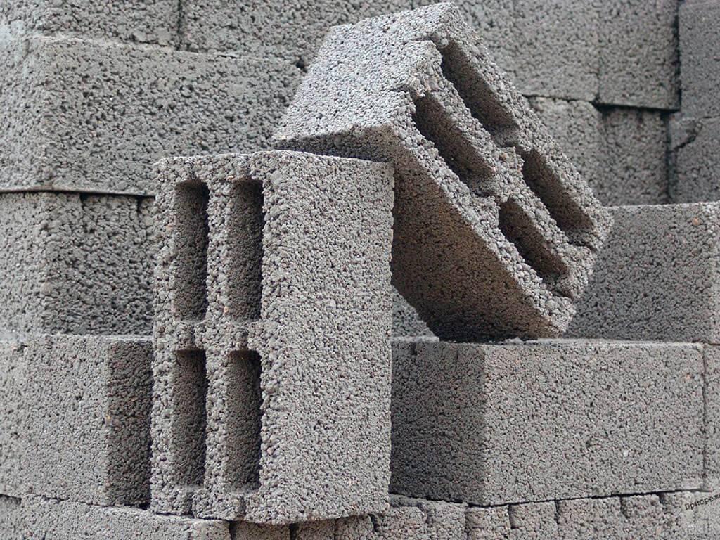 Какие существуют плюсы и минусы в домах из керамзитобетонных блоках, что говорят в отзывах?