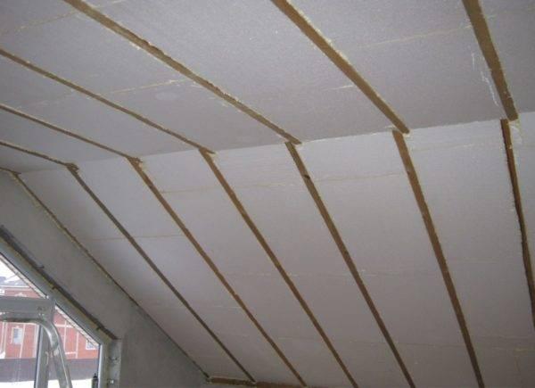 Как правильно сделать утепление мансардной крыши изнутри своими руками, какой способ лучше выбрать, как утеплить крышу мансарды изнутри, подробно на видео и фото