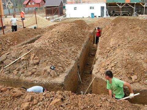 Правильное рытьё траншеи под водопровод: советы специалистов